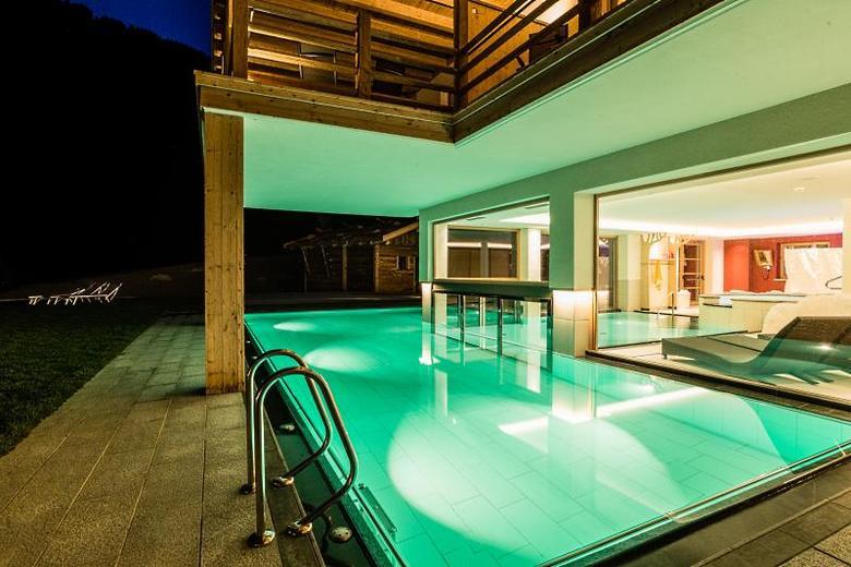 innen au enpool hot whirlpool ganzj hrig beheizt alpine wellness hotel masl vals im pustertal. Black Bedroom Furniture Sets. Home Design Ideas